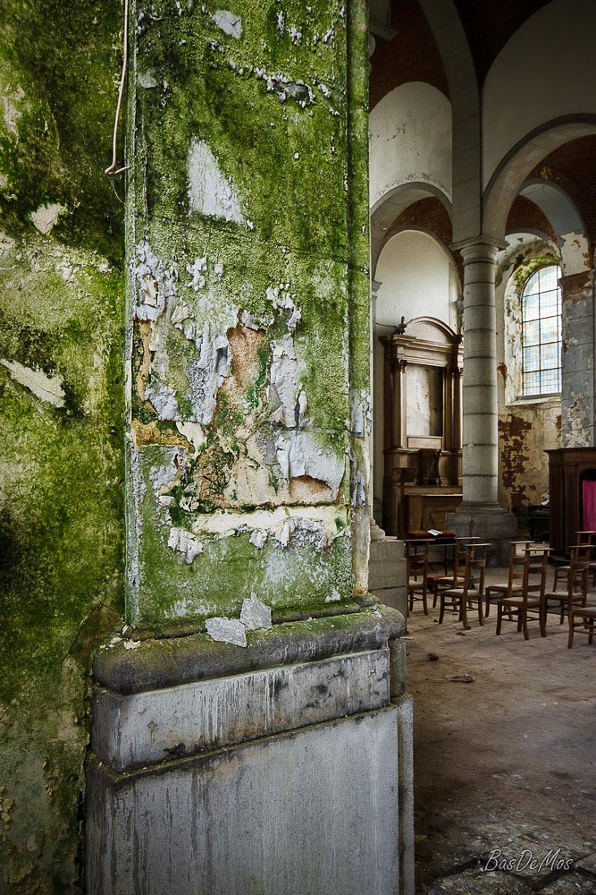 Church_of_decay_07