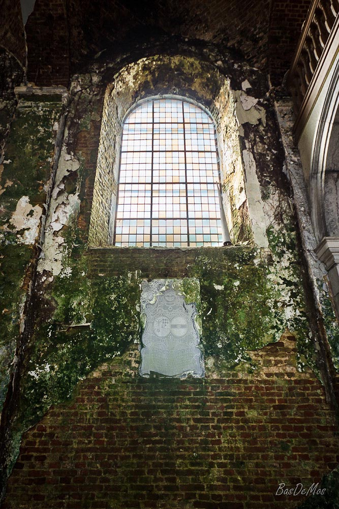 Church_of_decay_08