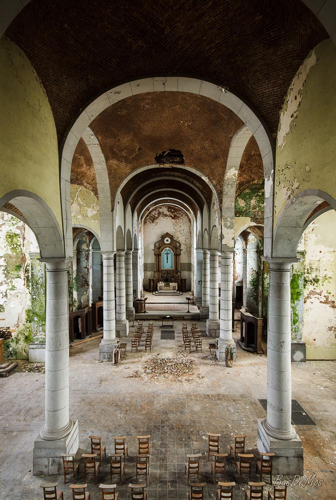 Church_of_decay_12