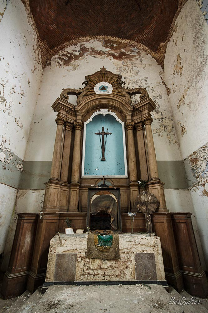 Church_of_decay_21