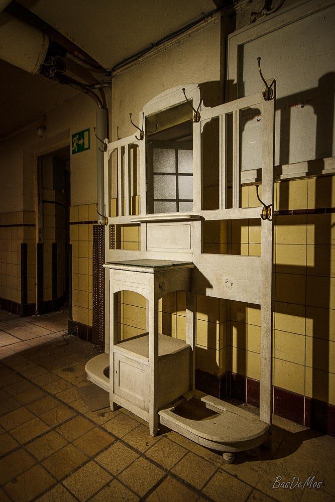 Bathhouse_06