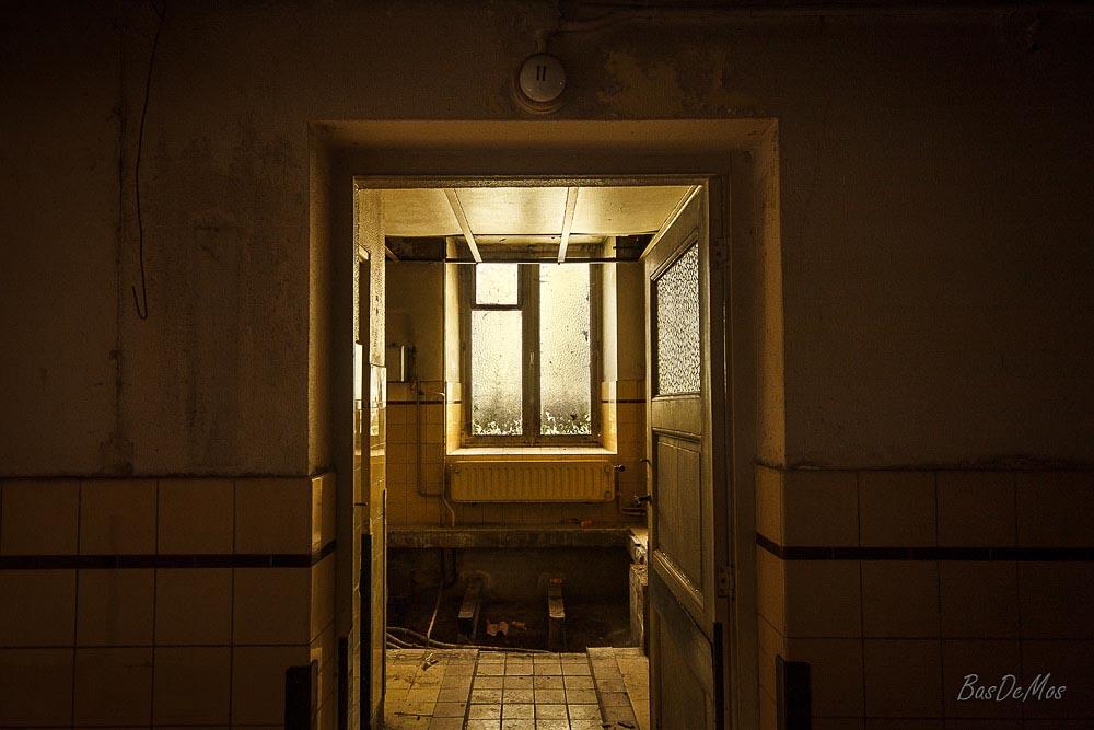 Bathhouse_07