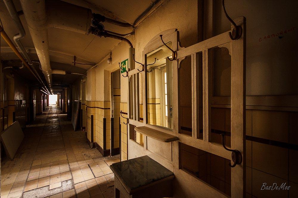Bathhouse_09