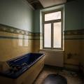 Bathhouse_22