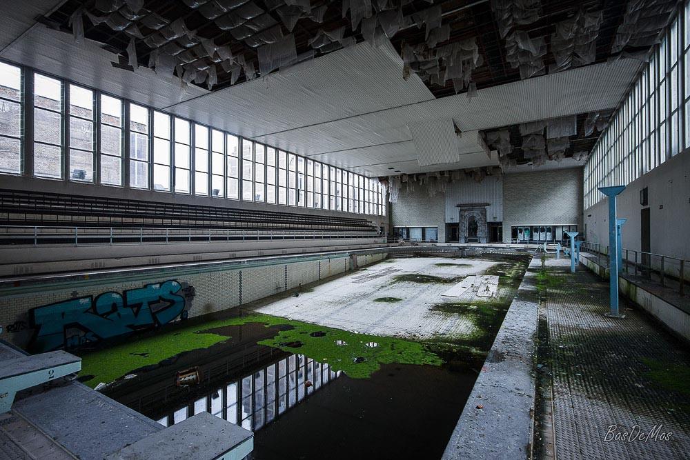 The_Swimming_Pool_16